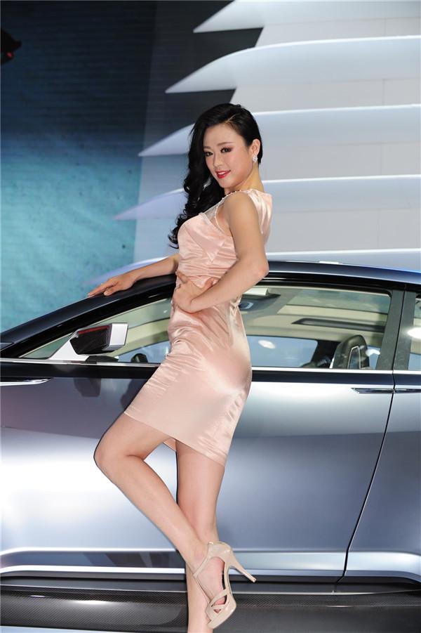 北京车展 斯巴鲁车模  1共1页 分享到:qq空间新浪微博腾讯微博微信