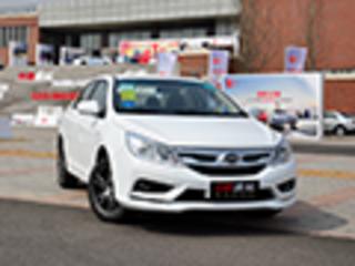 比亚迪新A级车增12项配置 售价降4000元