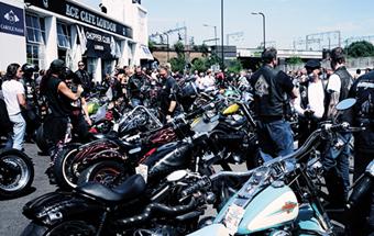 摩托爱好者的天堂 地道的伦敦ACE CAFE