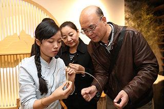 奔驰追求可持续生计 保护中国世界遗产