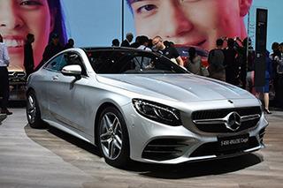 首搭OLED光源 奔驰新款S级轿跑车售124.38万元
