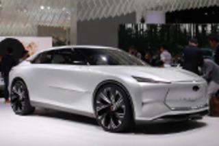 英菲尼迪全新概念轿车亮相