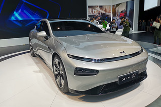 小鹏汽车P7亮相上海车展 星际语言设计/年底上市