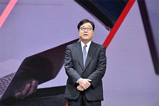 卸任三菱汽车CEO 益子修接任戈恩担任董事长